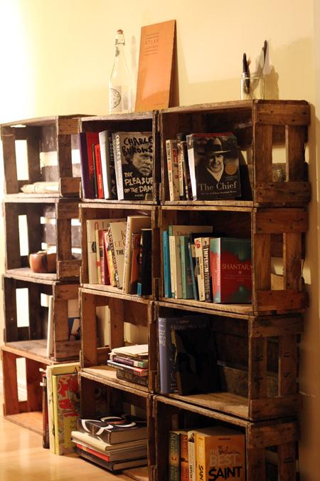 wooden crates bookshelf 450 x 675