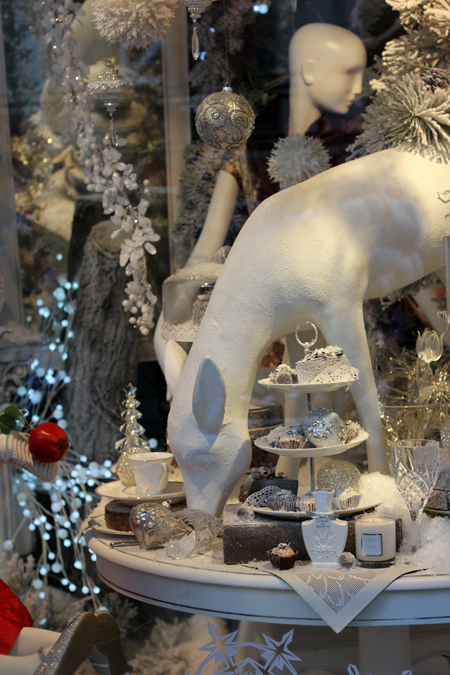 arnotts window display december 2012 3