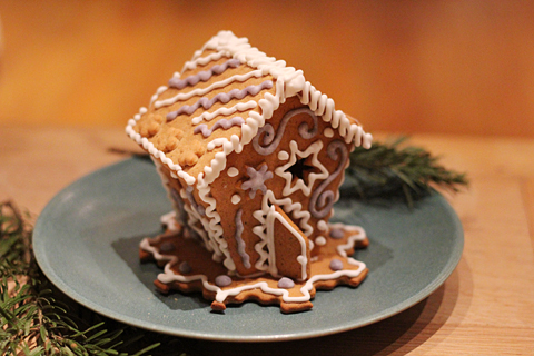 ginger bread house 4