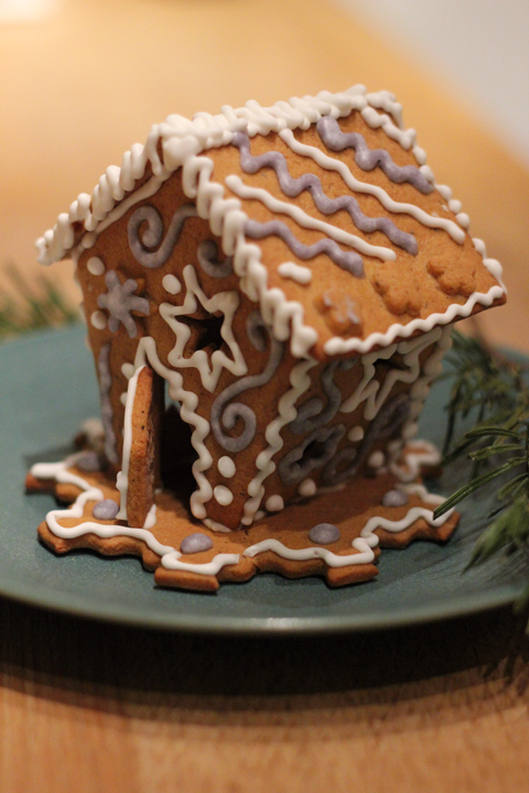ginger bread house 6